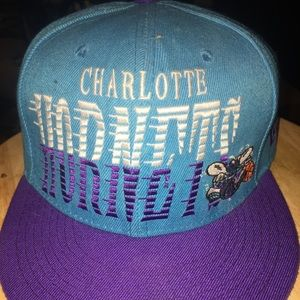 Charlotte Hornets Classic Snap Back